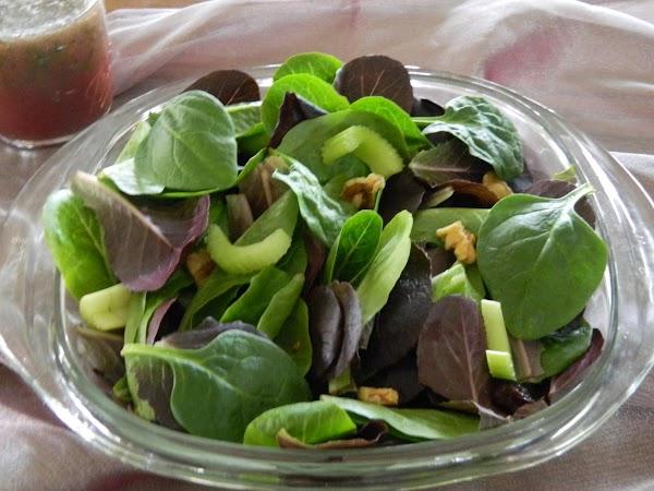Super-foods Salad And Vinaigrette Recipe