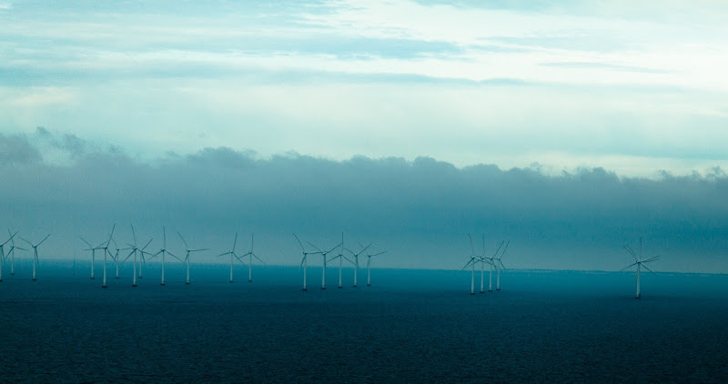 Photo: Wind turbines from the Öresund Bridge (Swedish spelling)