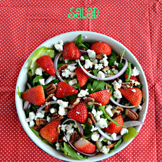 Strawberry Pecan Salad With Honey Balsamic Vinaigrette #sundaysupper #flstrawberry