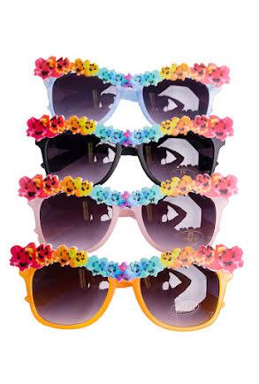 Solglasögon med blommor