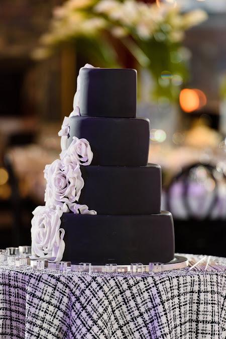 Victoria Dubin floral wedding cake