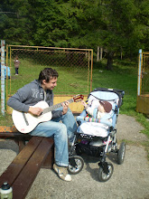 Photo: Marek a budúci gitarista Maťko
