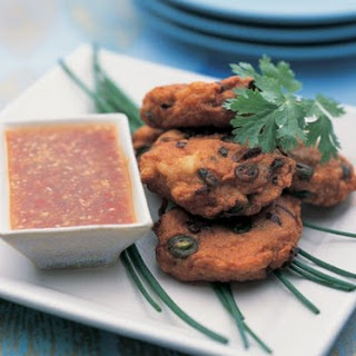 Thai Fish Cakes With Ginger And Lime Dipping Sauce.