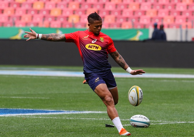 Elton Jantjies in action at the captain's run at Nelson Mandela Bay Stadium before the Boks face the Wallabies on Saturday
