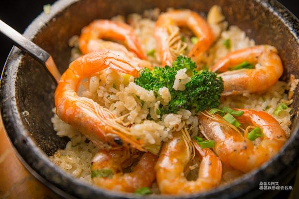 台南聚餐推薦,新菜色私房石燒蒜蝦飯好喜歡~~小麥先生