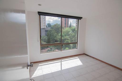 apartamento en arriendo poblado 585-24969
