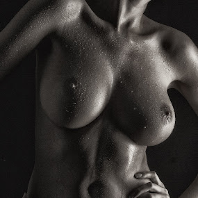 Playing with the light by Tatjana GR0B - Nudes & Boudoir Artistic Nude