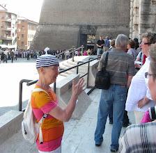 Photo: 002 Vatikaaniin jonottamassa.