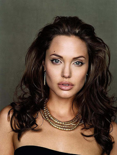 Angelina Jolie Wallpapers HD 2019 cute photos 1