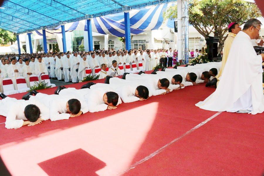 Lễ Tấn Phong chức Phó tế tại nhà thờ Chính Tòa Ban Mê Thuột - Ảnh minh hoạ 17