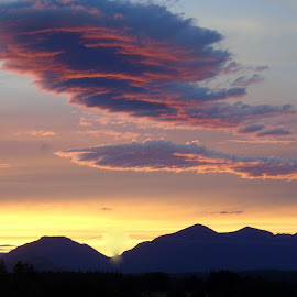COME SUNSET by Cynthia Dodd - Novices Only Landscapes ( clouds, skyline, mountains, sky, nature, colorful, sunset, beautiful )