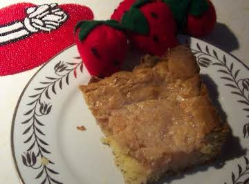 """A  """"RED HAT"""" STRAWBERRY CHEESE,GOOEY BUTTER CAKE"""