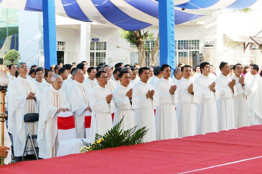 Lễ Tấn Phong chức Phó tế tại nhà thờ Chính Tòa Ban Mê Thuột - Ảnh minh hoạ 8
