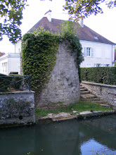 Photo: Along this part of the brasset is another remnant of one of the medieval defensive towers.