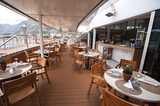 Viking-Star-Aquavit-Terrace.jpg - Look for casual al fresco dining in the Aquavit Terrace in the aft section of Viking Star.