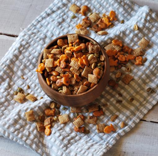 Easy Goldfish Snack Mix