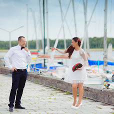 Wedding photographer Dmitriy Neverovskiy (batmann). Photo of 08.02.2018