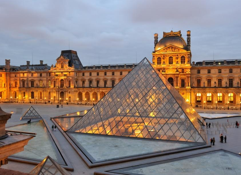 https://digitourist.files.wordpress.com/2017/01/6954686-musee-du-louvre.jpg?w=920&h=666&crop=1
