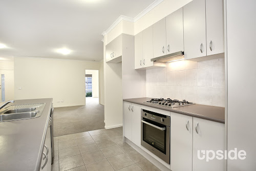 Photo of property at 2/35 Mccormicks Road, Carrum Downs 3201