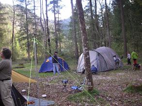 Photo: Immer mehr Zelte werden aufgebaut