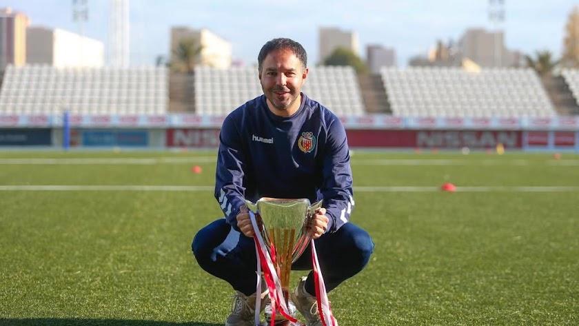 Risueño, el entrenador de L\'Hospitalet.
