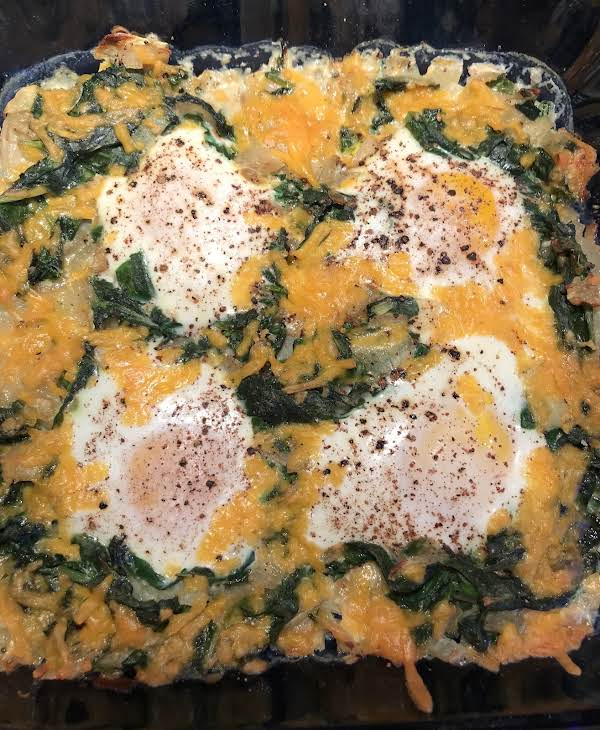 Recipes Using Eggs As Main Ingredient: Sunken Eggs In A Spinach Nest Recipe