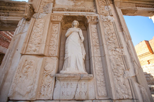 Library-of-Celsus-statue-2.jpg - Four statues on the front side of the Library of Celsus depict Wisdom, Virtue, Intellect and Knowledge.
