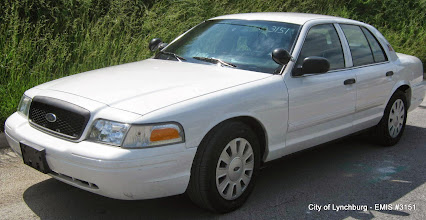 Photo: Lot 23 - (3151-1/2) - 2010 Ford Crown Victoria - 99,244 miles