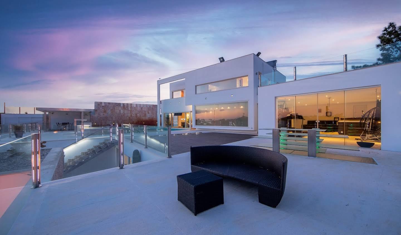 Villa avec piscine et terrasse Ericeira