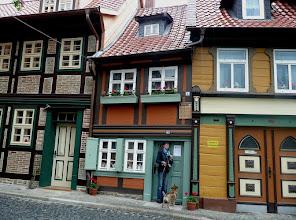 """Photo: das kleinste Haus der """"Bunten Stadt"""""""