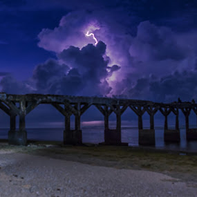 Light in the sky by Raden Bagus Paijo - Landscapes Weather ( weather, beach, landscape, skyscape )