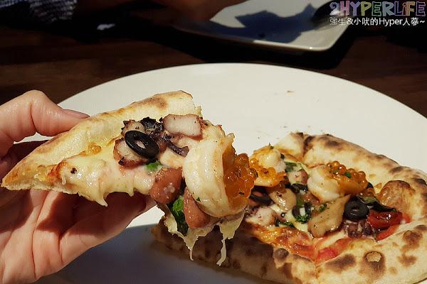 拼圖食庫│在台中也算是義式料理老店,久違的二訪幸好口味沒走鐘,披薩和燉飯都好吃~就在南屯好市多正對面!