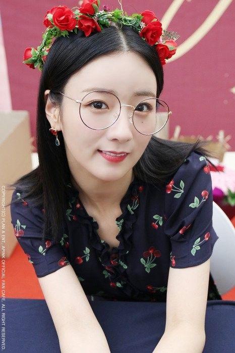 glassesgirls_4