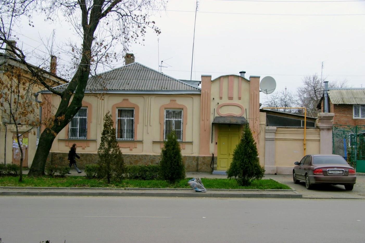 https://sites.google.com/site/istoriceskijtaganrog/cehova-ulica/dom-84