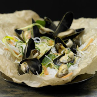 Mussels in Parchment
