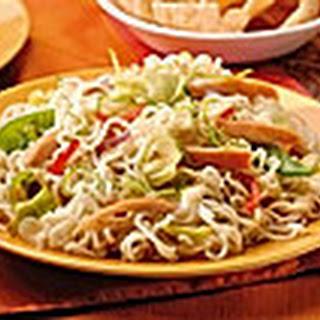 Thaise Knoflook-koriandersalade Met Kip En Kokos