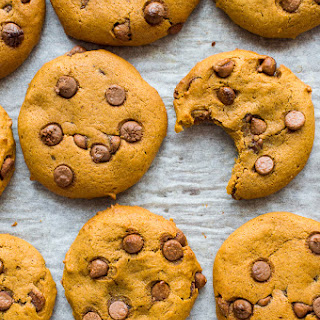 Vegan Pumpkin Chocolate Chip Cookies.