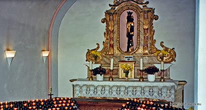 Photo: Beilstein a/d Moezel. Kerkje. Zwarte Madonna.