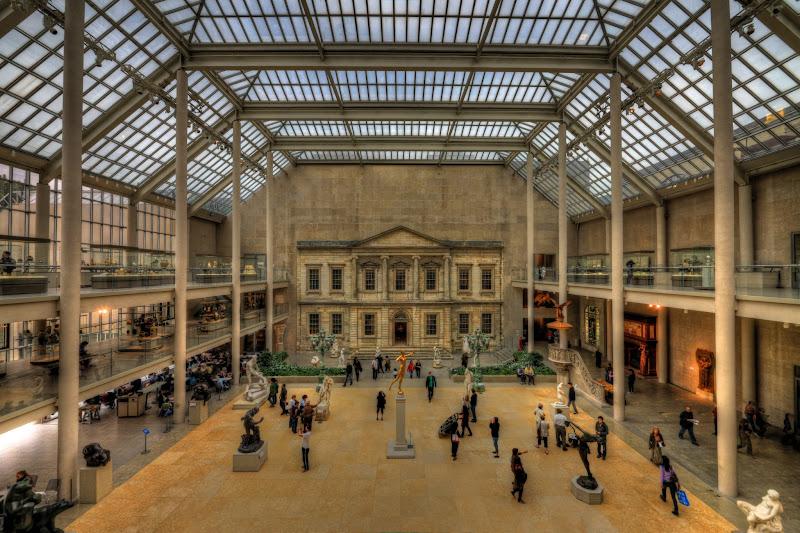 Photo: Looking into American Decorative Art - MET in NYC