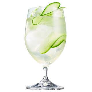Cucumber-Gin Spritz.