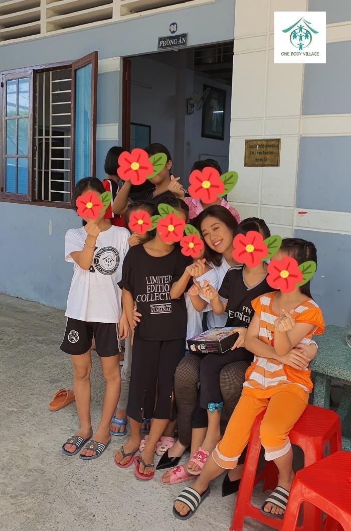 Hoa hau Khanh Van tham OBV (11)