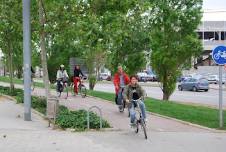 Photo: la Lourdes en primerr lloc amb molt d'estil pedalant
