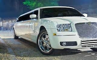 Chrysler 300C Limousine Rent Fyn
