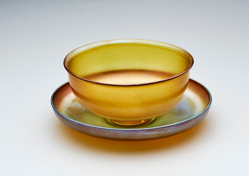 Finger bowl with underliner