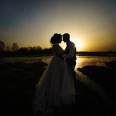 Wedding photographer Dmitriy Shumeev (wedmoment). Photo of 04.05.2018
