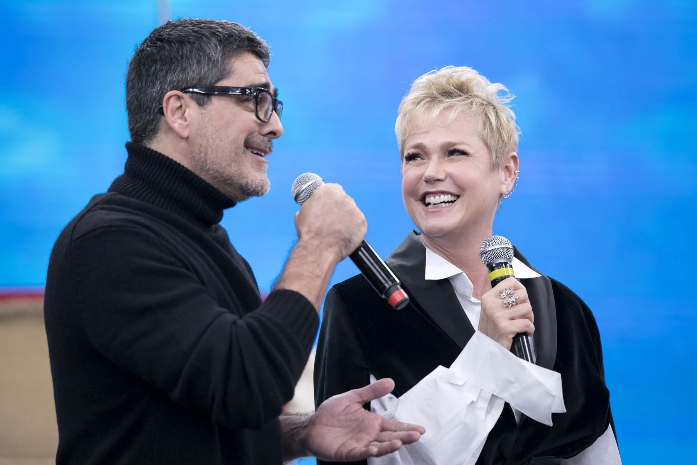 Xuxa recebe homenagens especiais de famosos no 'Programa da Sabrina'