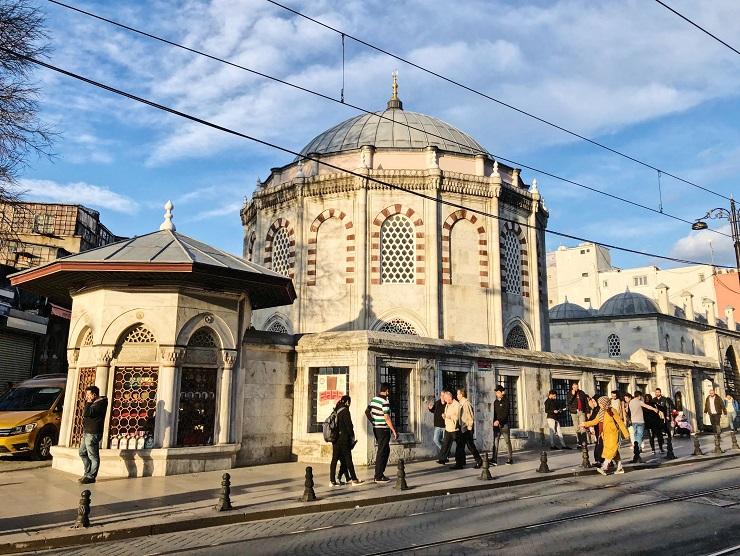 オスマン帝国を牽引した大宰相スィナン・パシャの霊廟「メドレセ」
