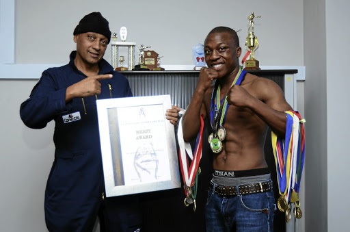 Former amateur boxer Thabang Mofula cannot wait to step into the ring to begin his pro career.