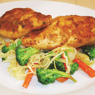 Quick And Easy Juicy Garlic Chicken With Veggie Stir Fry.