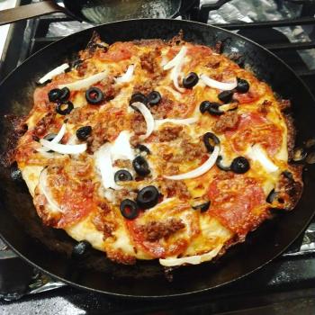 пица домаћа тава од гвожђа